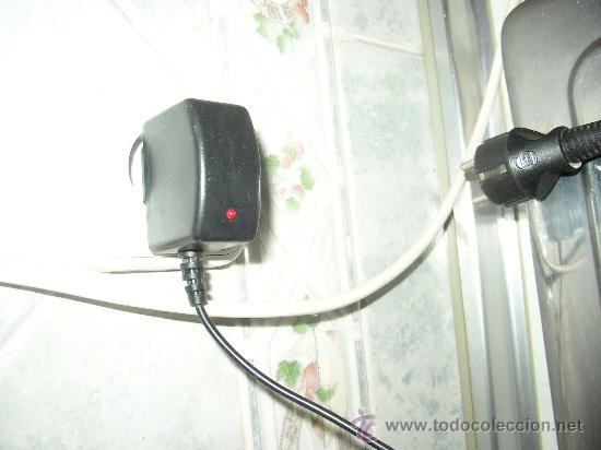Segunda Mano: Teléfono +CARGADOR TELEFONO MOVIL ALCATEL (Desconozco si funciona) - Foto 2 - 23132416