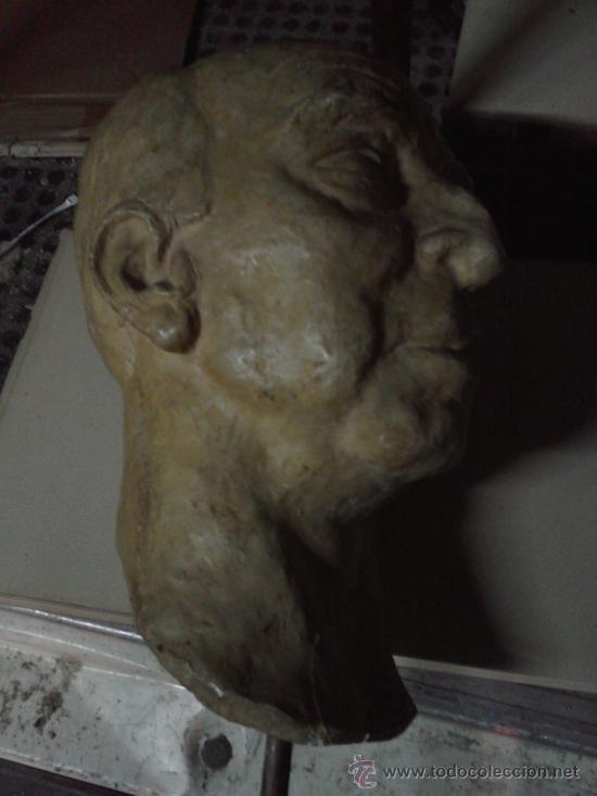 Segunda Mano: Cabeza de escayola o yeso . Doctor Severo Ochoa . firmada J.Perera 1968 -grande 40 x 27 cm. - Foto 2 - 31405227