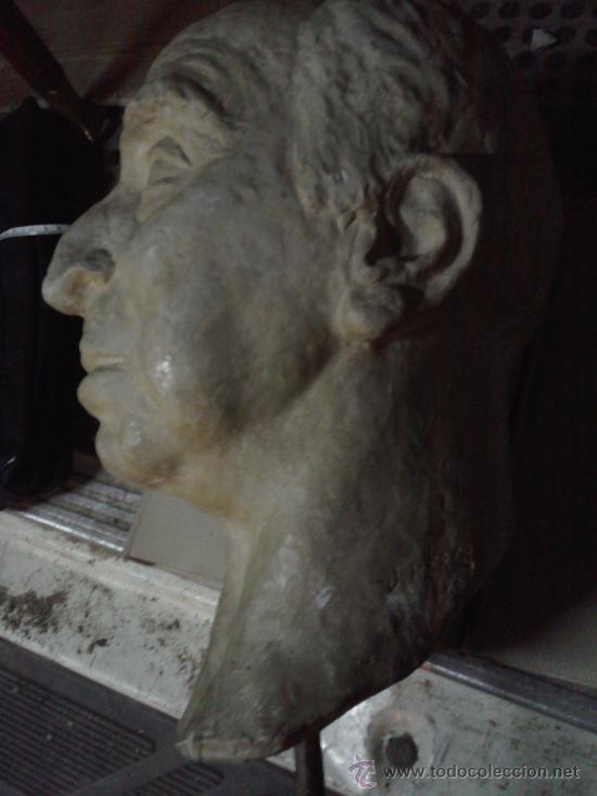 Segunda Mano: Cabeza de escayola o yeso . Doctor Severo Ochoa . firmada J.Perera 1968 -grande 40 x 27 cm. - Foto 3 - 31405227