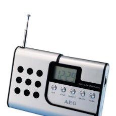 Segunda Mano: RADIO DIGITAL FM RADIO-RELOJ LUMINIUM AEG. Lote 35434142