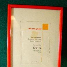 Segunda Mano - CUADRO MARCO DE PASTA DURA ROJA Y VIDRIO - 14X10 CM - MIN ART GALERY GERMANY - SIN USAR - AÑO 1988. - 36901529
