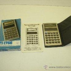 Segunda Mano: ANTIGUA CALCULADORA SOLAR TEXAS INSTRUMENTS TI-1766 CON CAJA E INSTRUCCIONES AÑO 1981 NUEVA. Lote 44419512