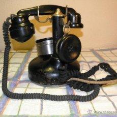 Segunda Mão: ANTIGUO TELEFONO DE MESA. 07.02.1.934 HIERRO- ACERO-BAKELITA DESCRIPCION Y FOTOS VARIAS.. Lote 39305018