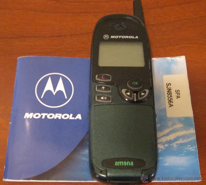 TELEFONO ANTIGUO MOVIL MOTOROLA CON SUS INSTRUCCIONES. NO PROBADO (Segunda Mano - Artículos de electrónica)
