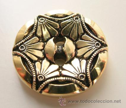 Segunda Mano: Botón Dorado. Motivo decorativo: Dibujo vegetal hexágono - Vintage - 1,8cm x 0,3cm - Foto 2 - 39531099
