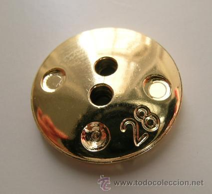Segunda Mano: Botón Dorado. Motivo decorativo: Dibujo vegetal hexágono - Vintage - 1,8cm x 0,3cm - Foto 3 - 39531099