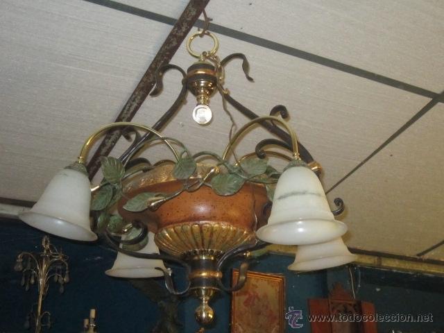 LAMPARA DE TECHO DE CERÁMICA CON TULIPAS. (Segunda Mano - Hogar y decoración)