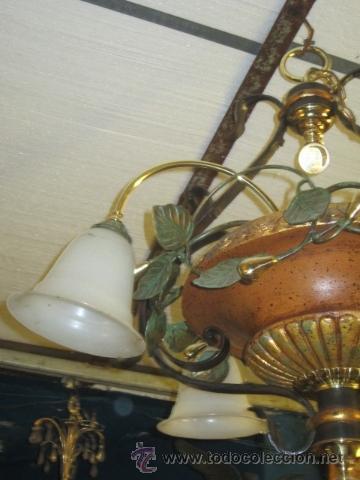 Segunda Mano: Lampara de techo de cerámica con tulipas. - Foto 3 - 32264144
