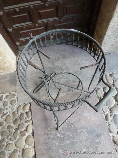 Segunda Mano: Soporte de hierro para cazuela de barro o metalica, 39 cm de diametro,59 cm altura - Foto 2 - 41045252