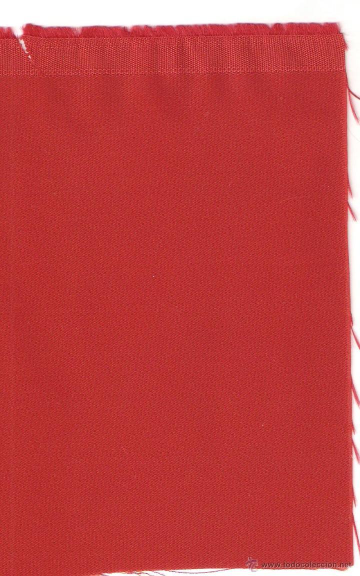 1 MT.GÉNERO RASO ACETATO COLOR ROJO DE 1.30 MTS DE ANCHO (Segunda Mano - Hogar y decoración)
