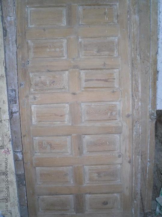 PUERTA DE CUARTERONES (Segunda Mano - Hogar y decoración)