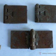 Segunda Mão: LOTE 3 BISAGRAS 65 X 50 MM, EN HIERRO. Lote 49909319