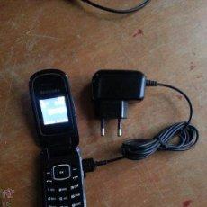 Segunda Mano: ANTIGUO TELEFONO MOVIL SANSUNG CON CARGADOR FUNCIONA . Lote 54393142