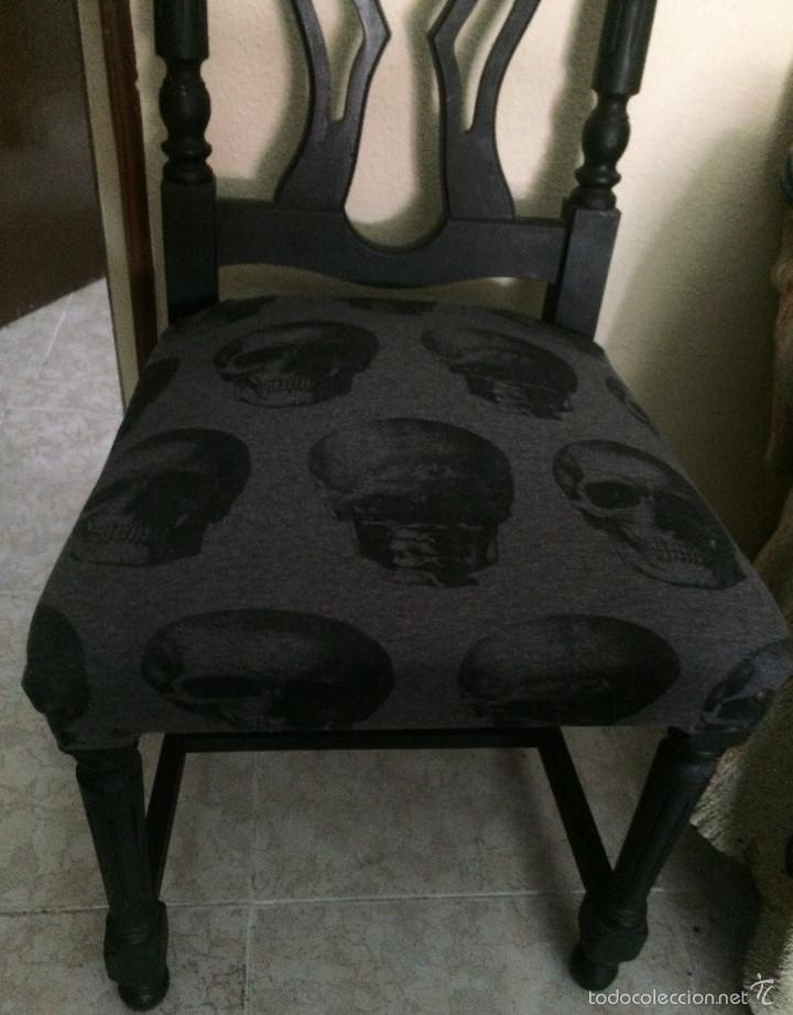 Segunda Mano: Gothic, Punk, Heavy. Silla con tapizado de calaveras. Sólo recogida en mano, en Sevilla capital. - Foto 2 - 56098985