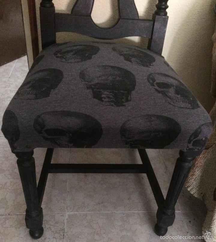 Segunda Mano: Gothic, Punk, Heavy. Silla con tapizado de calaveras. Sólo recogida en mano, en Sevilla capital. - Foto 4 - 56098985