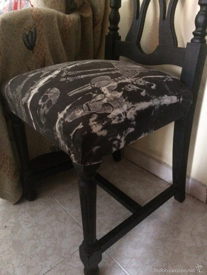 Segunda Mano: Gothic, Punk, Heavy. Silla con tapizado de calaveras. Sólo recogida en mano, en Sevilla capital. - Foto 4 - 56098996