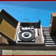 Segunda Mano: TOCADISCOS IBERIA RADIO ...DE LOS AÑOS 70...FUNCIONA PERFECTAMENTE...LLAMADO TOCADISCO DE GUATEQUE. Lote 56319401