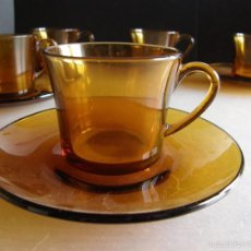 Segunda Mano: SEIS TAZAS DE CAFE CON PLATOS DE DURALEX AMBAR.. Lote 61340783