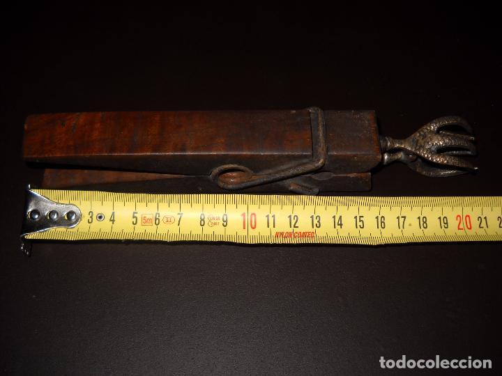 Segunda Mano: Gran pinza de madera con garras,16 cm. - Foto 3 - 62762876
