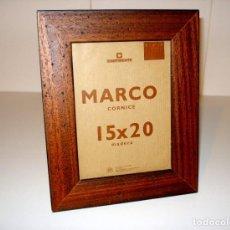 Segunda Mano: MARCO DE MADERA ENVEJECIDA 27 X 22 CM. Lote 66499914
