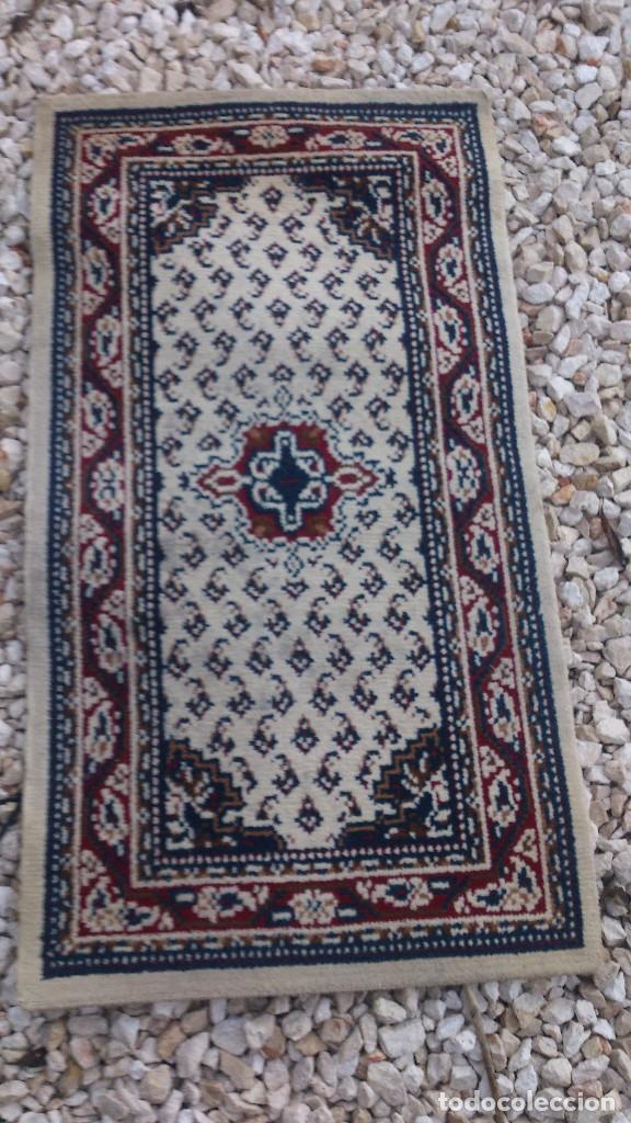 Segunda Mano: Preciosa alfombra blanca para dormitorio. - Foto 2 - 68321641