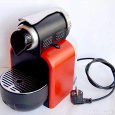 Segunda Mano: CAFETERA NESPRESSO ESSENZA EN 95 R EX DELONGHI FUNCIONA NESPRESO CAFE. Lote 68732793