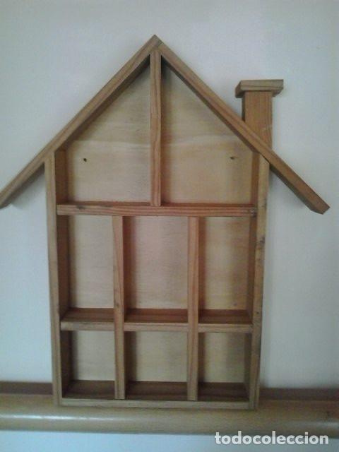 Estanteria de madera con forma de casa para pon comprar - Estanterias para dedales ...