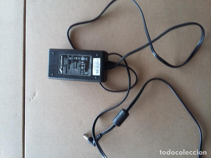 Segunda Mano: 03-00043 Transformador FSP group inc. 220v a 12 volt-2 amp - Foto 2 - 74390323
