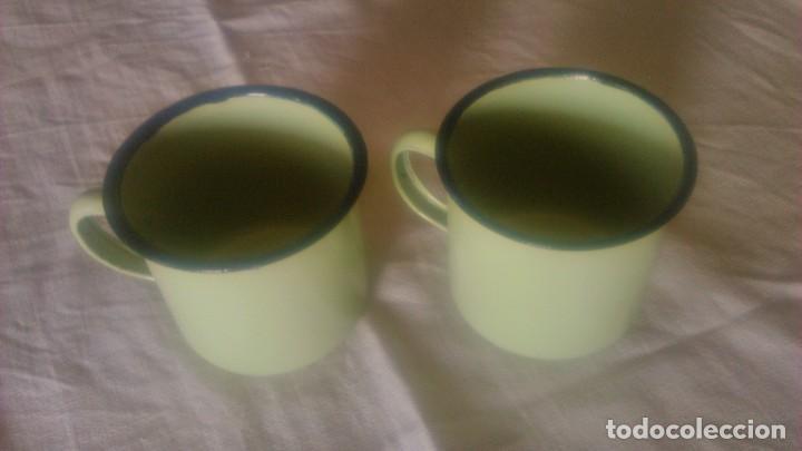 Segunda Mano: Lote de 2 tazas de metal esmaltado en color verde suave.Para camping o picnic - Foto 2 - 86871692