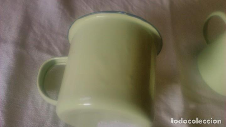 Segunda Mano: Lote de 2 tazas de metal esmaltado en color verde suave.Para camping o picnic - Foto 3 - 86871692