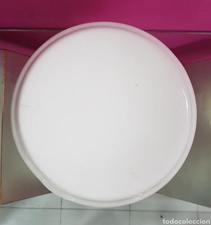 Segunda Mano: Pedestal blanco CERAMICA - Foto 2 - 90354020