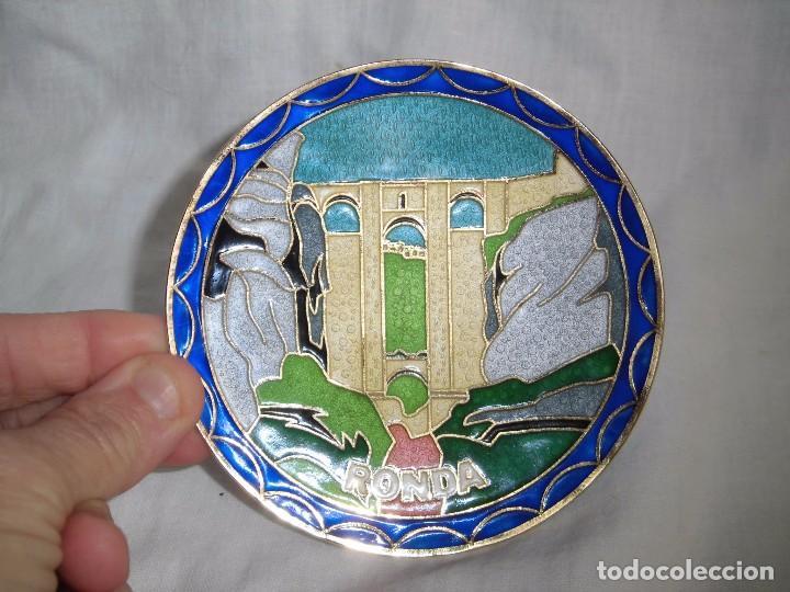 Segunda Mano: BONITO PLATO ESMALTE CLOISONE CON EL PUENTE NUEVO DE RONDA - Foto 4 - 91363180
