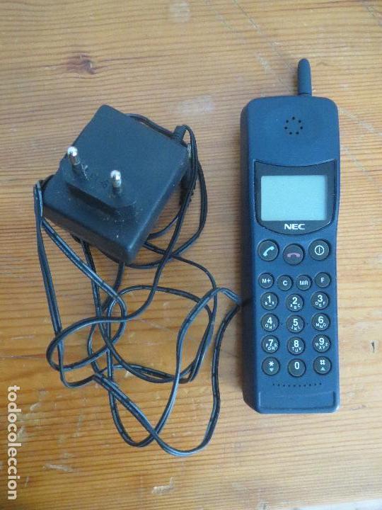 TELEFONO MOVIL NEC MPSB2F1-1C CLASE 4 AÑOS 90 USADO LA BATERIA NO CARGA. (Segunda Mano - Artículos de electrónica)
