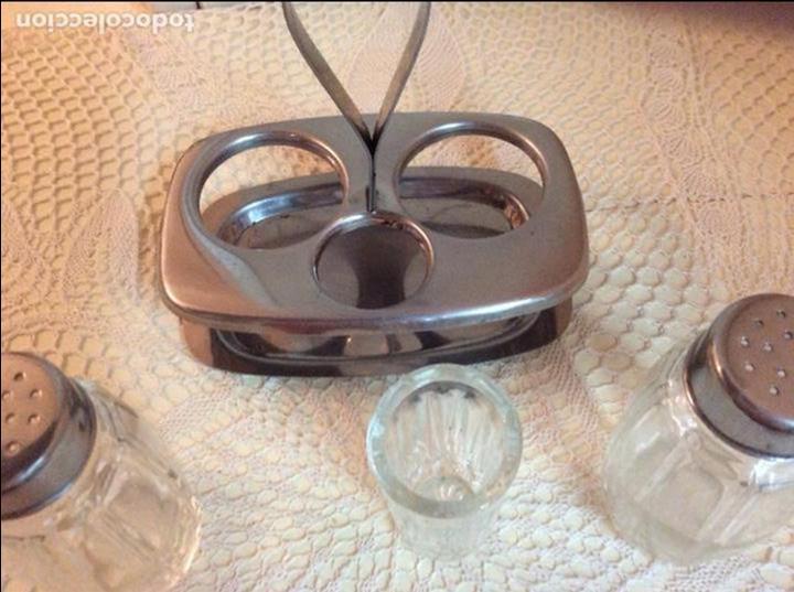 Segunda Mano: Set de salero, pimentero y vasito para palillos en cristal y acero inoxidable. Años sesenta. - Foto 2 - 98081559