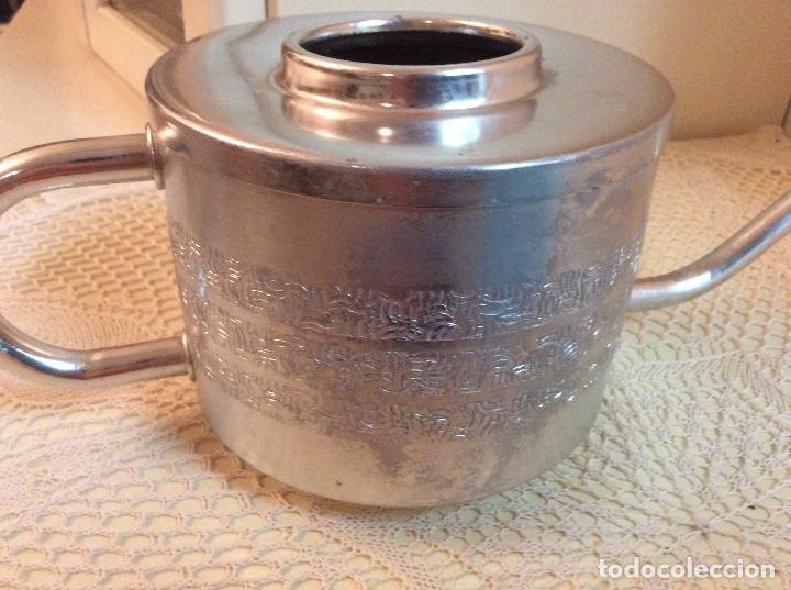 Segunda Mano: Regadera de metal plateado ideal para interior . - Foto 3 - 98165135