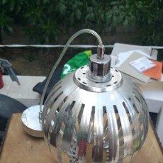 Segunda Mano: ORIGINAL LAMPARA DE METAL PLATEADO.FORMA DE BALON. . Lote 98390075