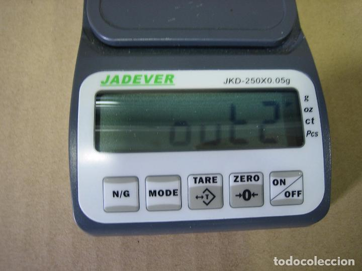 Segunda Mano: Balanza de precisión Jadever JKD-250x0,05 gr. Taiwán.Puede estar averiada - Foto 3 - 98761803