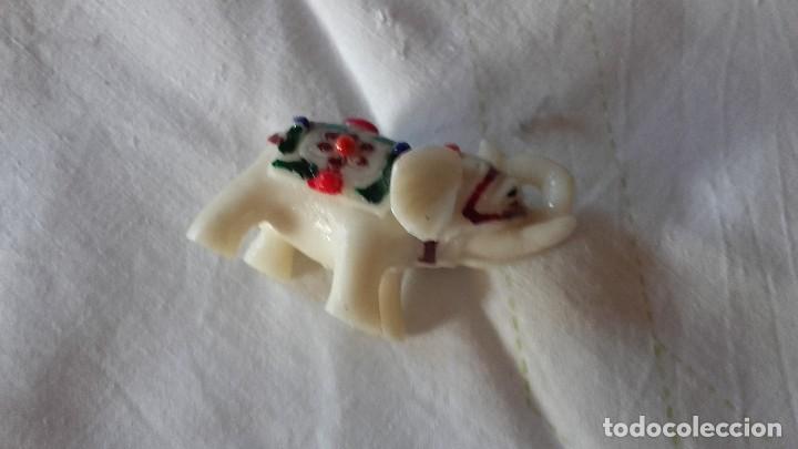 Segunda Mano: Pequeño elefante de la suerte de resina,muy colorido. - Foto 3 - 100995047