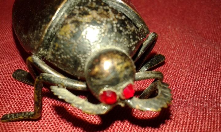 Segunda Mano: Cucaracha de bronce pavonado. Ojos piedras rojas. Siglo XX. - Foto 9 - 108006287