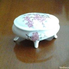 Zweite Hand - Caja antigua de loza con motivos florales - 110590491