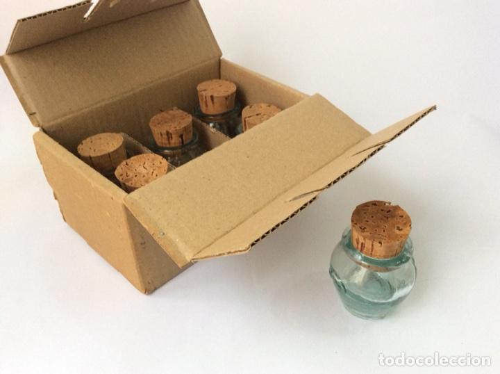 Segunda Mano: Envío 8€.Caja 6 meleras de vidrio miniatura, con tapón de corcho, de 5cm de capacidad más el tapón. - Foto 5 - 208988636