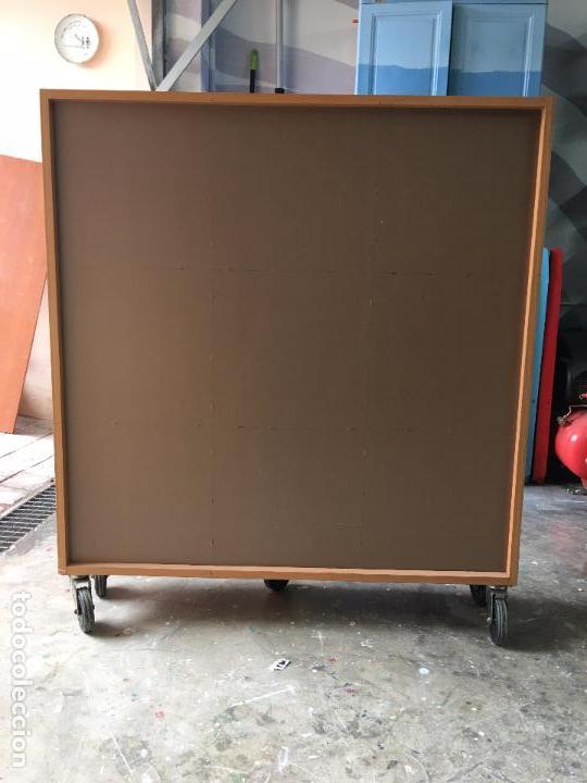 Segunda Mano: LIBRERÍA O CLASIFICADOR MOVIBLE (con ruedas) - 112,5 x 100 x 28 cm - Foto 7 - 112378675