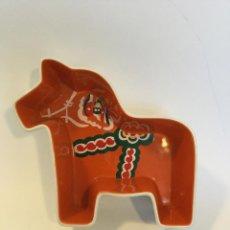 Segunda Mano: FIGURA EN GRES DALA HORSE SUECA DE SAGAFORM FORMA DE CABALLO POR YLVA OLSSOR.. Lote 116825811