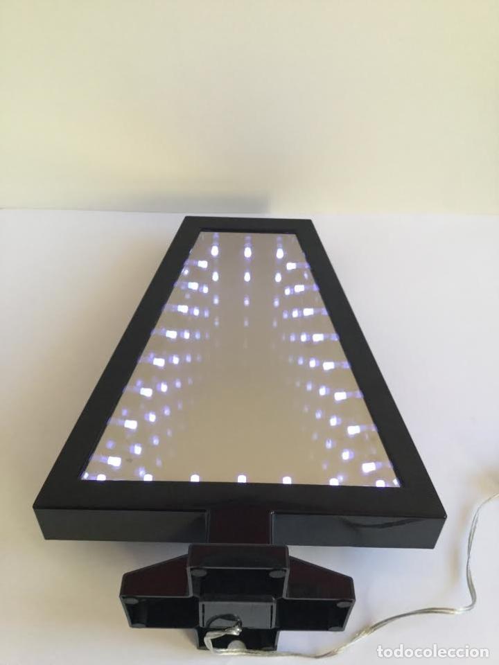 Segunda Mano: Lampara espejo infinito de Habitat efecto profundidad ,contemporánea con leeds y forma de abeto - Foto 2 - 119374439