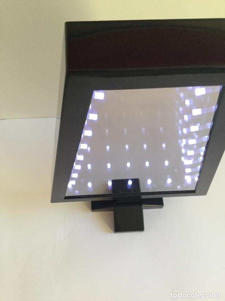 Segunda Mano: Lampara espejo infinito de Habitat efecto profundidad ,contemporánea con leeds y forma de abeto - Foto 6 - 119374439