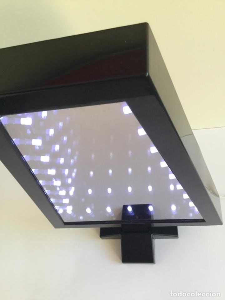Segunda Mano: Lampara espejo infinito de Habitat efecto profundidad ,contemporánea con leeds y forma de abeto - Foto 7 - 119374439