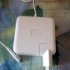 Segunda Mano: APPLE 60W MAGSAFE POWER ADAPTER (FOR MACBOOK AND 13-INCH MACBOOK PRO. Lote 119661555