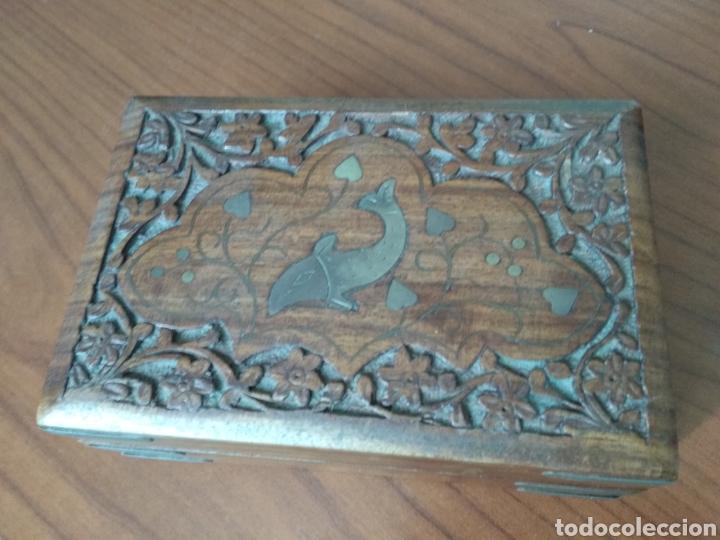 CAJA DE MADERA TALLADA (Segunda Mano - Hogar y decoración)
