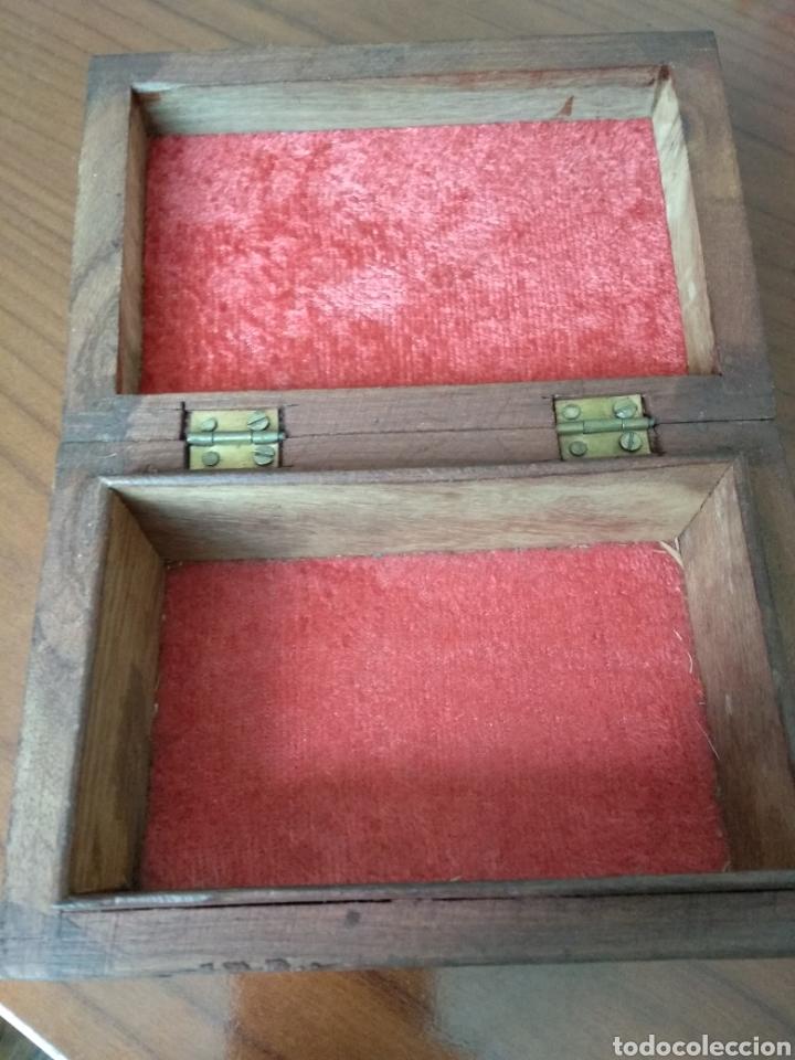 Segunda Mano: Caja de madera tallada - Foto 3 - 119885968