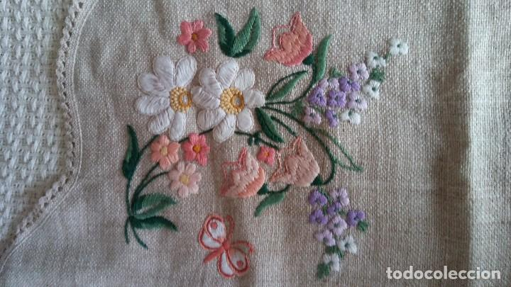 Segunda Mano: Mantel bordado a mano - Foto 12 - 146378748